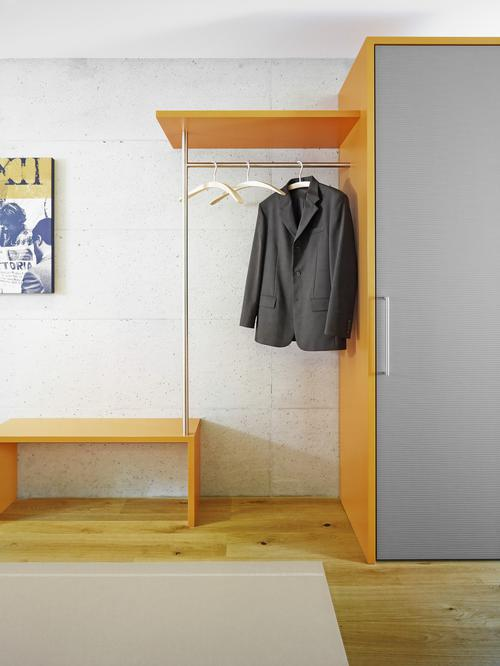 Garderobenschrank die visitenkarte im eingangsbereich for Garderobe individuell